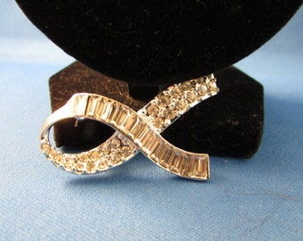 Rhinestone Ribbon Brooch