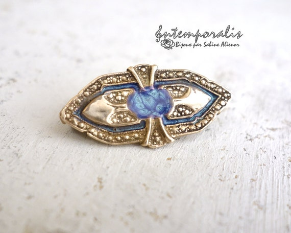 Gold bronze and blue resin brooch, OOAK, SABRO01