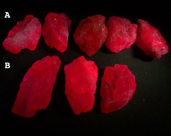 Pink SPINEL Rough. Pink Spinel Medium Red fluorescence. Glows under UV Light. Natural RoUgh Nuggets. 1 pc. 18-25mm (SP3111)