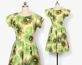 Vintage 60s FLORAL Print DRESS / 1960s Bright Cotton Full Skirt Rockabilly Day Dress XS - S