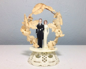 Vintage 1940s Bride and Groom Wedding Cake Topper Hand Painted, Vintage Wedding Decoration, One Of A Kind Wedding, Retro Bride and Groom