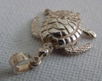 Vintage sterling silver articulated turtle sea creature pendant, nautical jewelry