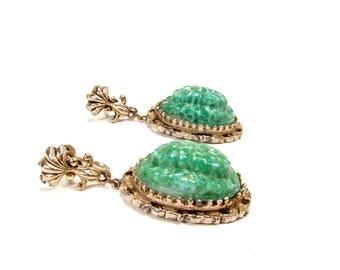 Vintage Peking Glass Scarab Earrings, Egyptian Revival, Screw Back Earrings, Mottled Green Glass, 1950s Jewelry, Dangle Earrings