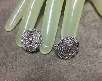 """Vintage 3/4"""" Silvertone Round Corded Disc Style Clip on Earrings"""