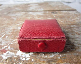 Red Ring Box - Vintage Wrapping