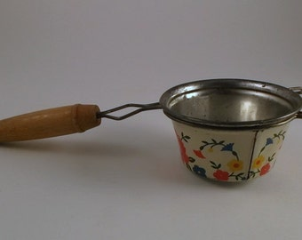 Vintage Strainer, Mesh Strainer, Sieve, Colander, Painted Floral Detail with Wooden Handle