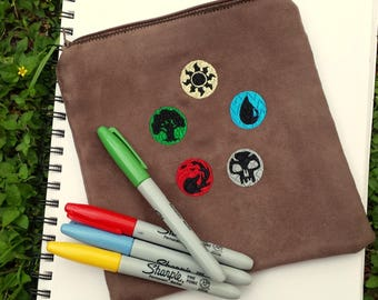 Magic the Gathering Textured Embroidered Zipper Pouch