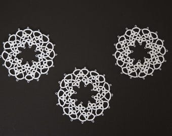 tatted ornaments//3 round//3 inches//white