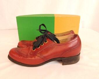 Vintage Leather Wingtip Spectator Shoes, Women's Size 7