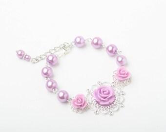 Lilac pearl Bracelet, Bridal Bracelet, Bridesmaid Bracelet, Rustic Wedding, Rose Bracelet, purple rose Bracelet, Garden Wedding Jewelry
