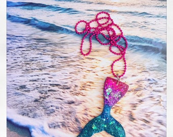 Mermaidtale resin glitter necklace
