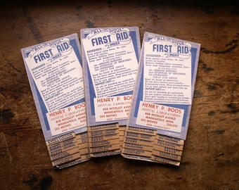 Vintage All-in-Vue First Aid Booklet - Pocket Size Flip Chart for Emergencies - Copyright 1942