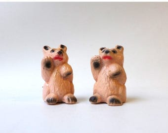 ON SALE Vintage 1960s miniature pink resin bear salt and pepper shakers