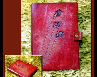 RED & BLUE ROSES Design • A Beautifully Hand Crafted Medium Sized Leather Journal. Great for all sorts of notes and creative writing.