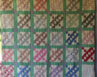Antique Vintage Quilt Beautiful Variety of 1930's 40's Fabrics