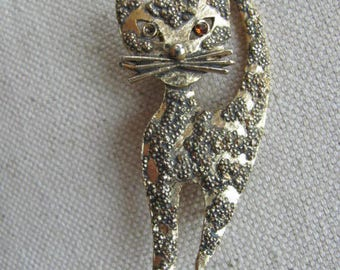 Vintage Cat Brooch, Kitty Pin, Cat Jewelry