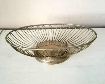 Vintage Wire Basket, Vintage Metal Basket, Wire Bread Basket, Wire Fruit Basket, Vintage Basket, Farmhouse Decor, Vintage Decor Wm Rogers