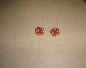 vintage clip on earrings peach lucite glass bead clusters