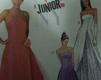STRAPLESS GOWN Pattern • McCall's 3959 • Junior Sizes • Princess Seams • Formal Dress • Sewing Patterns • Modern Patterns • WhiletheCatNaps