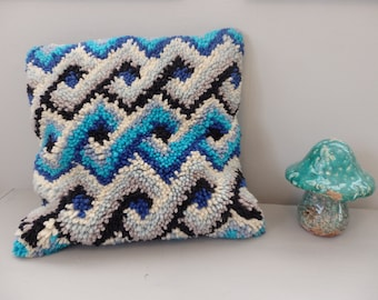 vintage Hand Made Chevron stripe BLue/Gray Decorative Wool hooked Pillow 15 x 15