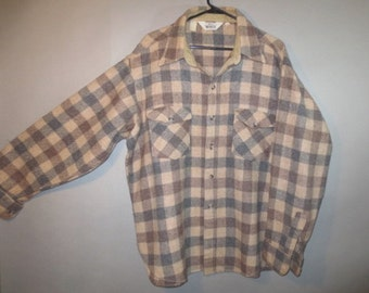 Vintage Woolrich Wool Shirt/Jacket // Shirt Tail Style Shirt, Breast Pockets, Button Flaps, Very Good Condition...XL