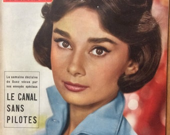 Stunning Rare French Paris Match 1956 edition of Audrey HEPBURN