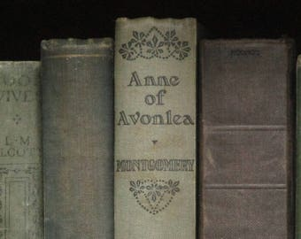 vintage 1930s book Anne of Green Gables sequel Anne of Avonlea by L. M. Montgomery