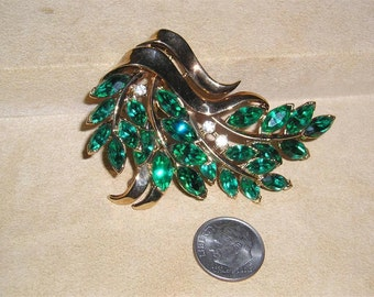 Vintage Trifari Pat Pend Brooch With Green Marquise Rhinestones 1940's Signed Jewelry 2072
