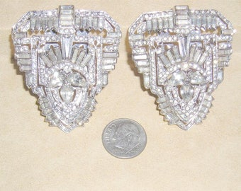 Vintage Pair Of Art Deco Decadence Crystal Rhinestone Dress Clips With Baguettes Rhodium Plated 1930's Jewelry 11035
