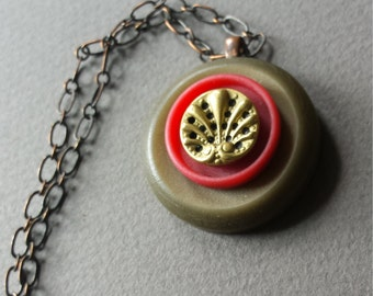Red Fan Vintage Button Necklace