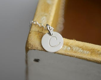 Smooth or Hammered Disc Initial Necklace - Sterling Silver Personalized Minimalist Jewelry