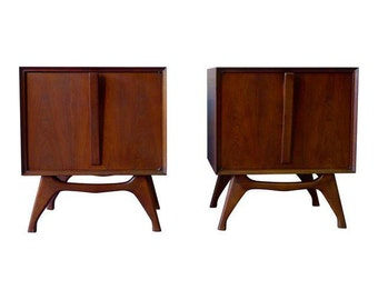 PAIR mid century Modern NIGHTSTANDS end tables