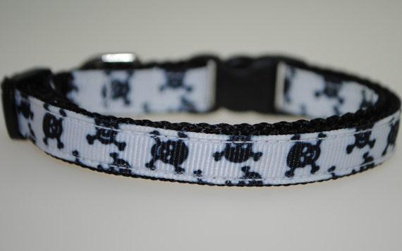 "Skulls and Crossbones Black and White 3/8"" Adjustable Dog Collar"