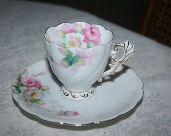 Vintage Demitasse Cup and Saucer Set Chubu China Made In Occupied Japan Fine Bone China Crown White Pink Green Roses Gold Floral Flowers