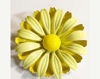 Vintage Yellow Metal Enameled Flower Brooch