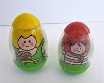 Spring SALE 20% OFF Vintage 1970s Weebles, Mom  and Daughter with Flowers, 1970s by Hasbro