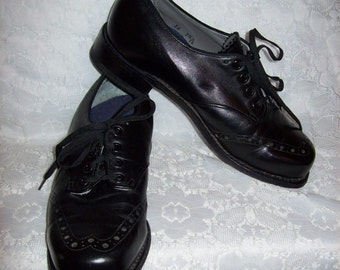 Vintage 1950s Ladies Black Leather Oxfords by P W Minor Size 7 1/2 C/AA Only 38 USD