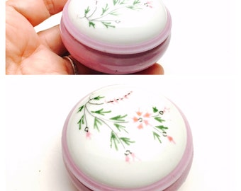 Vintage LIMOGES Trinket box, round, painted, porcelain, French, Item No. B717