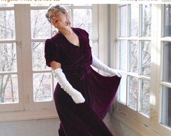 NEW YEARS SALE Vintage Amethyst Purple Velvet Party Dress/Vintage 1940s/Rayon Velvet Bias Cut Draped Formal Gown/Hollywood Glamour/Size Smal