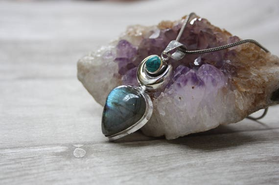 LABRADORITE TEARDROP NECKLACE - Silver Plated Necklace -Amethyst- Labradorite Crystal- Chakra Jewellery- Handmade- Festival Wear- Glitter