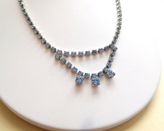 Vintage 1950s Pastel Baby Blue Rhinestone Silver Tone Choker Necklace D23