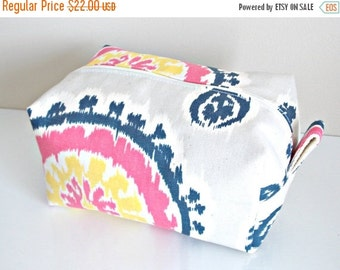 HURRY PRESIDENTS DAY Sale Ikat Makeup Bag  - Cosmetic Pouch -  Lunch Bag - Wet Bag -Waterproof Bag