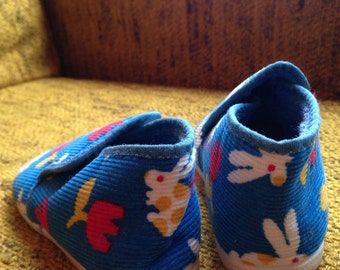vintage corduroy slipper slip-on shoes for toddler with flowers and bunnies size 5