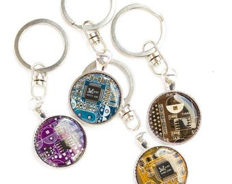 Geeky keychain - Circuit board keychain - gift for Dad - computer geek gift - unique keychain - recomputing - round, resin