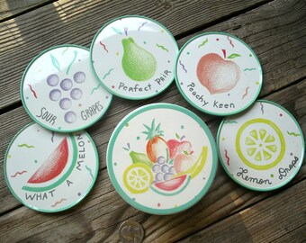 Vintage Tropical Fruit Coaster Set - Five Cork Backed Metal Drink Mats with Storage Container - Tegestology from 1987 Tin Box Company