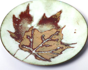 Fay Rooke enamelled copper dish, 1970s Canadian enameled copper dish, maple leaf decor, mid century pin ring jewellery dish desk decor