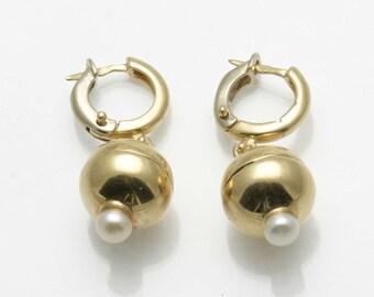 Vintage  14k yellow gold hoop dangle Pearl Drop Earrings Estate