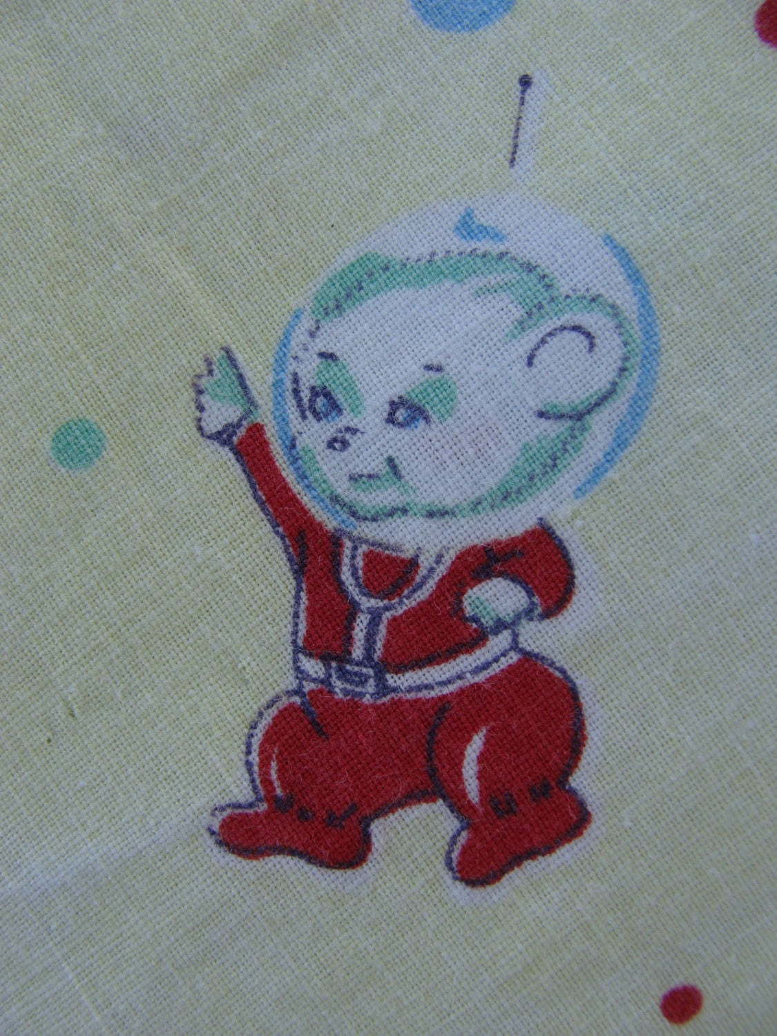 Vintage children 39 s novelty fabric astronaut animal for Spaceship fabric