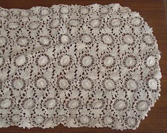 Vintage Ecru Lace Victorian Dresser Scarf Doily