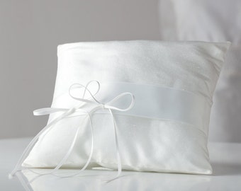Ring Pillow in ivory